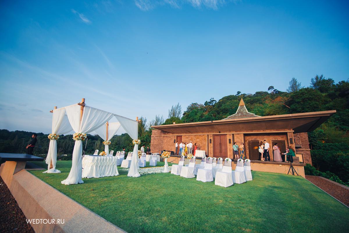 свадьба на пхукете,бамбуковая свадебная арка,декор свадьбы на пхукете