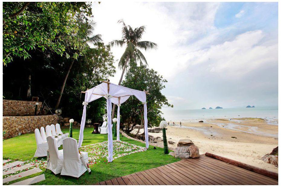 свадьба на берегу,цветочная дорожка