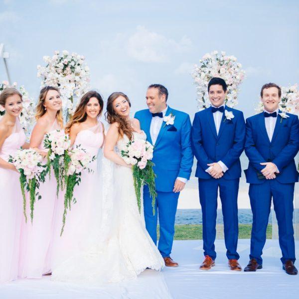 свадьба с гостями на самуи, свадьба на вилле, розовая и голубая свадьба, красивая свадьба на самуи