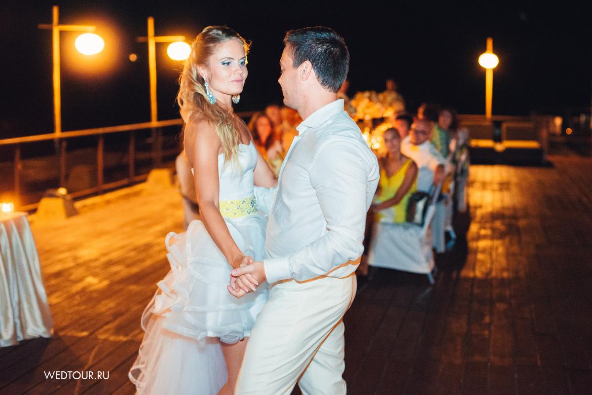 Свадебный танец, свадьба на острове Пхукет